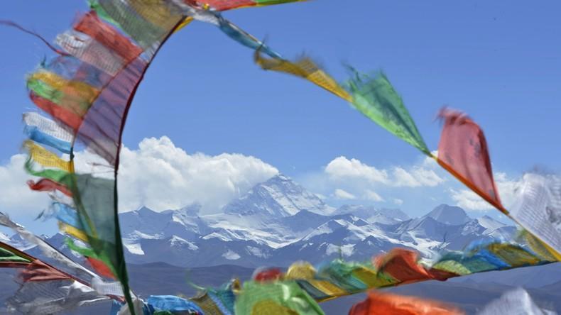 Anja Blacha besteigt als jüngste Deutsche den Mount Everest