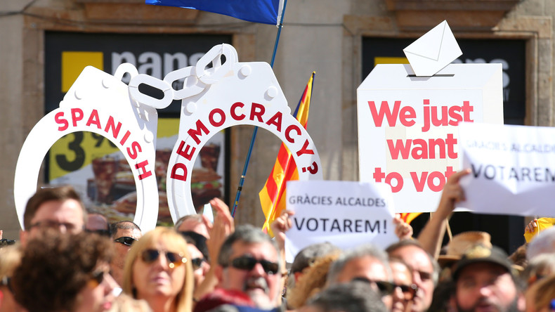 Eskalation in Sicht: Madrid zieht repressive Karte gegen katalanisches Unabhängigkeitsreferendum