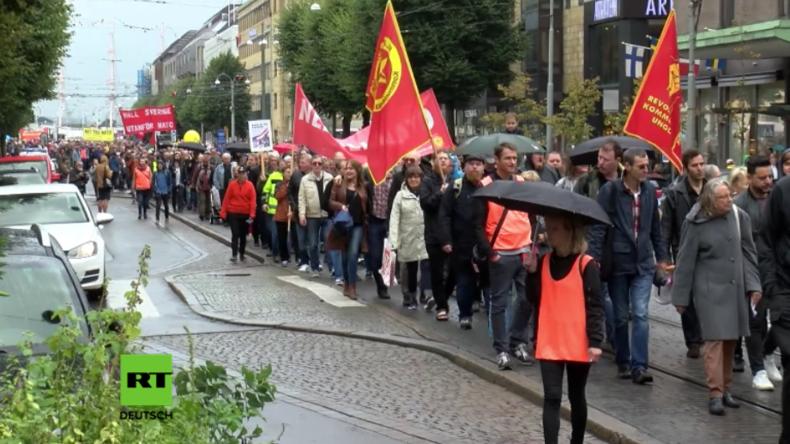 """Schweden protestieren gegen NATO: """"Die russische Aggression ist eine große, große Lüge"""""""