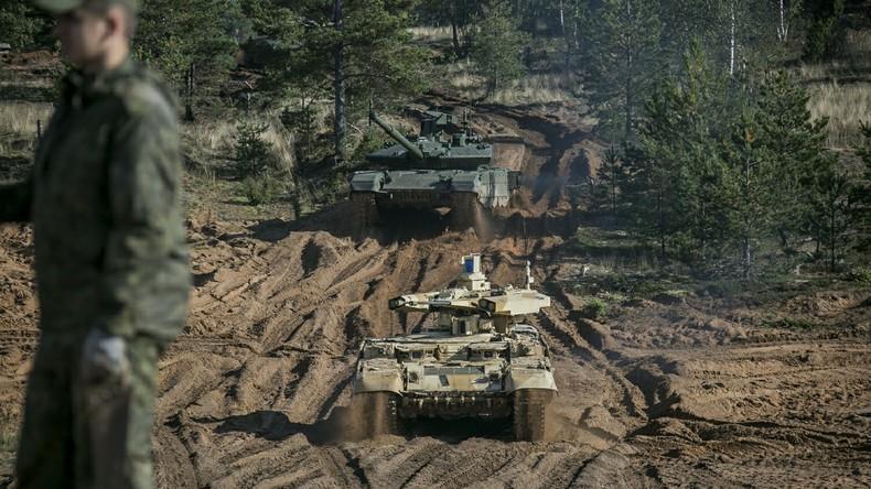 """Russland testet modernisierten Reaktivpanzer T-80 bei """"Zapad""""-Militärmanöver [VIDEO]"""