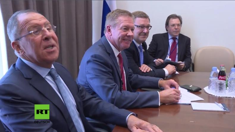 """""""So, und jetzt raus hier!"""" - Russischer Außenminister zu aufdringlichem Journalisten"""