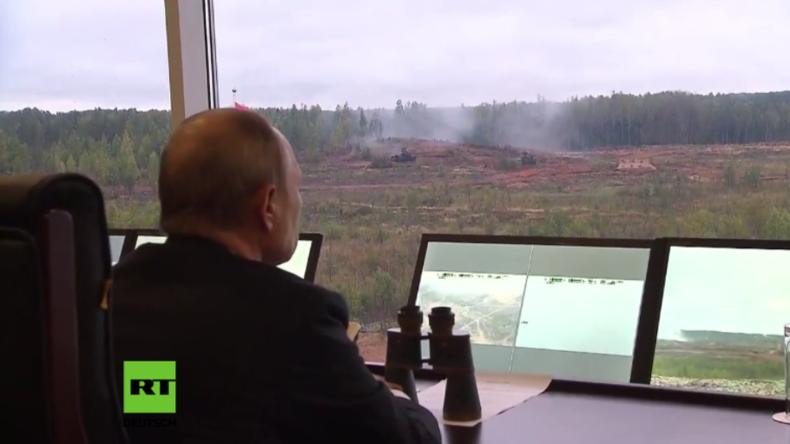 """Militärmanöver """"Zapad 2017"""": Putin beobachtet Zerschlagung eines Angriffs durch hunderte Terroristen"""