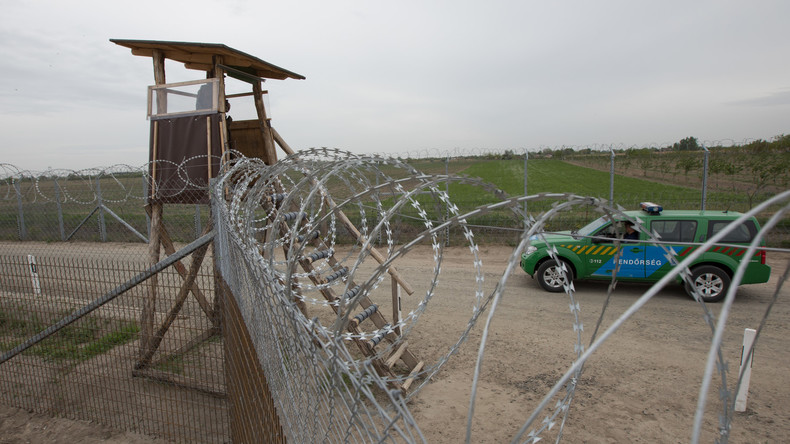 Ungarn: Stacheldrahtzaun führt zu fast hundertprozentigem Rückgang illegaler Migration