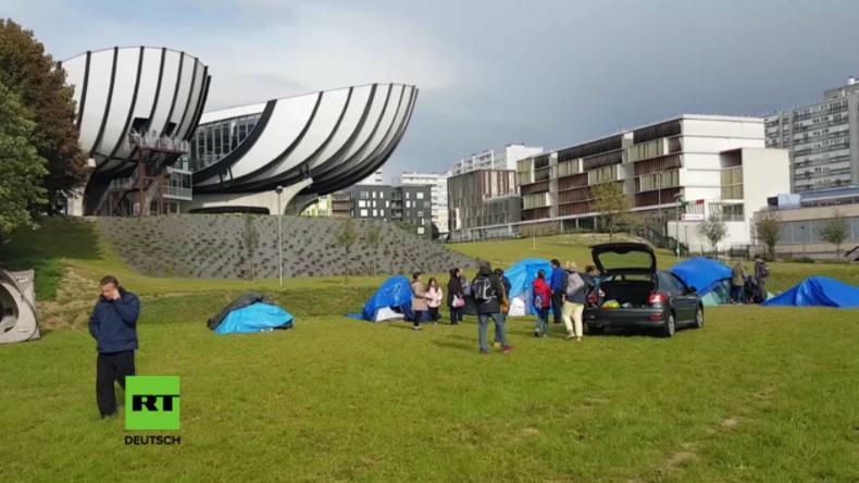 Frankreich: Uni-Direktor schließt Gebäude an Campus wegen zeltender Migranten