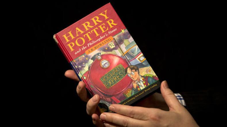 Harry-Potter-Erstausgabe für knapp 68.000 Euro versteigert
