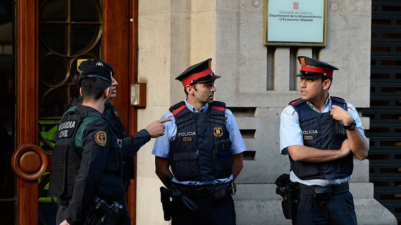 Spanische Polizei nimmt Katalanischen Wirtschaftsminister wegen Referendum-Unterlagen fest