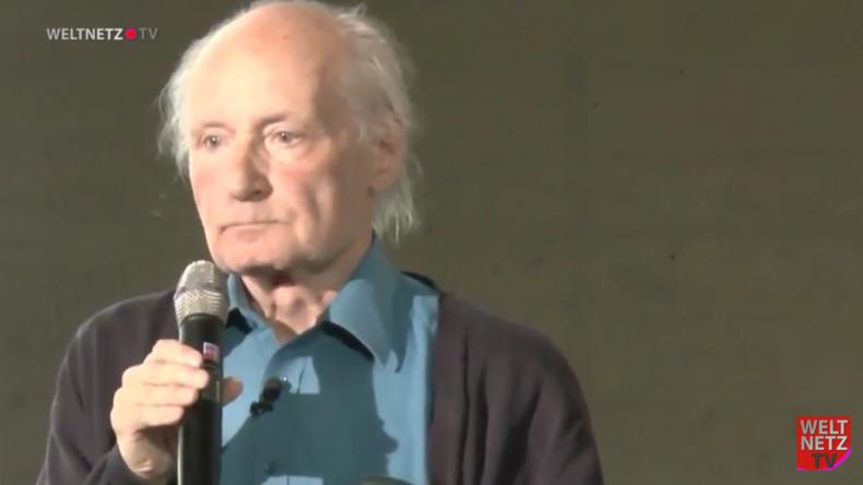 """Stop Ramstein"" - Priester a.D. Drewermann hält Rede gegen Krieg, Imperialismus, Hunger und Elend"