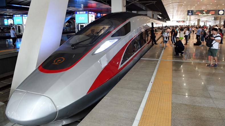 Schnellster Zug der Welt fährt heute aus Peking nach Shanghai ab