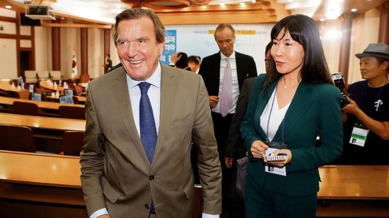 Altkanzler Gerhard Schröder findet neue Liebe in Südkorea