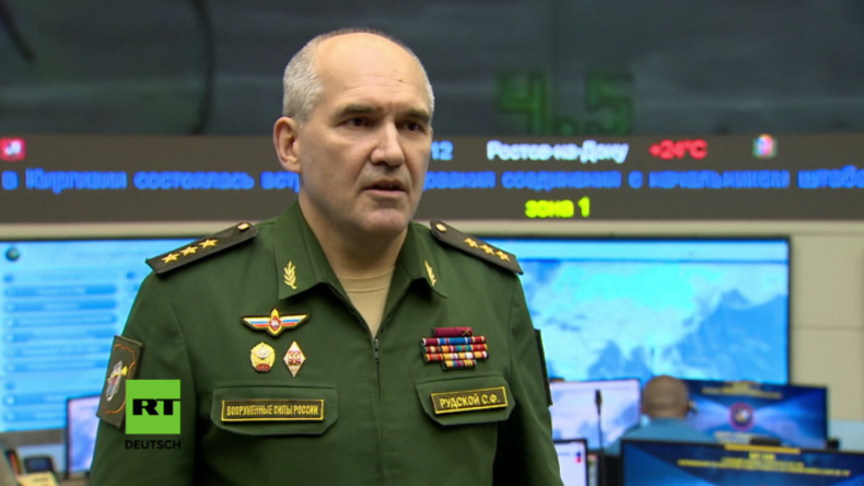 Russisches Verteidigungsministerium: Al-Nusra greift mit US-Hilfe russische Truppen in Syrien an