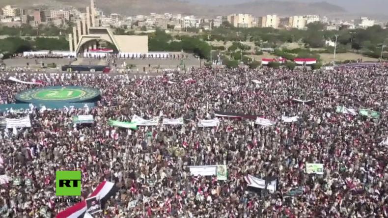 """Krieg im Jemen: Huthis feiern Jahrestag der """"Revolution"""" und verkünden Besitz neuer Raketen"""