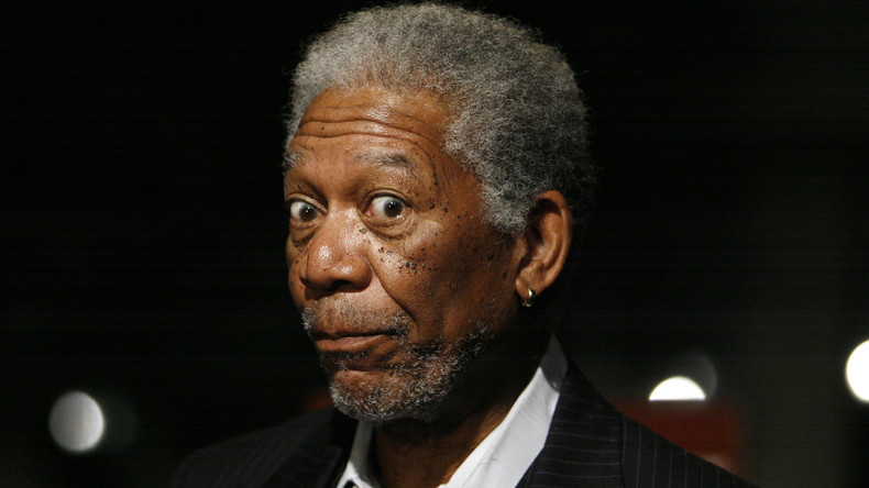 Hollywood goes Cold War: Morgan Freeman erklärt es allen - Der Russe war's!