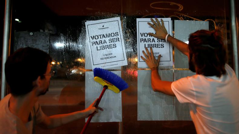 Katalanische Separatisten verteilen eine Million Wahlzettel
