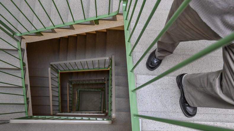 Kein Bock auf Treppe: Chinese lässt Aufzug im Mehrfamilienhaus nur für sich selbst installieren