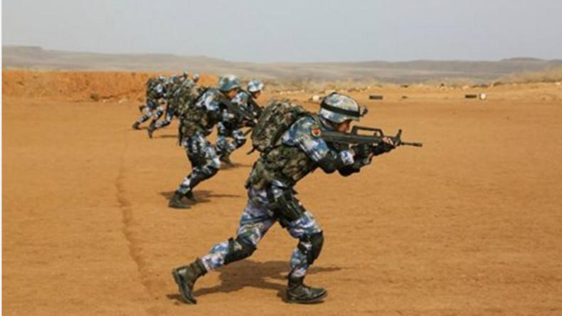 China führt erste Militärübungen auf seinem ausländischen Stützpunkt in Dschibuti durch [VIDEO]