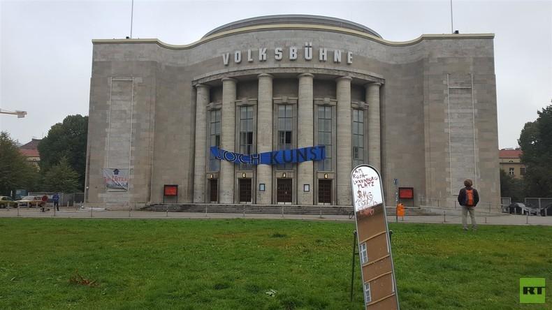 Besetzte Volksbühne Berlin: Ein Besuch bei den Protestlern [Video]