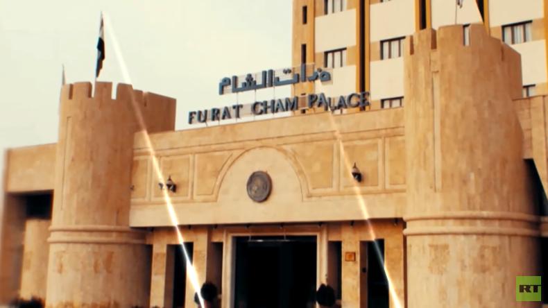 RT-EXKLUSIV: Einstiges Luxus-Hotel dient syrischer Armee als Festung im Kampf gegen den IS [Video]
