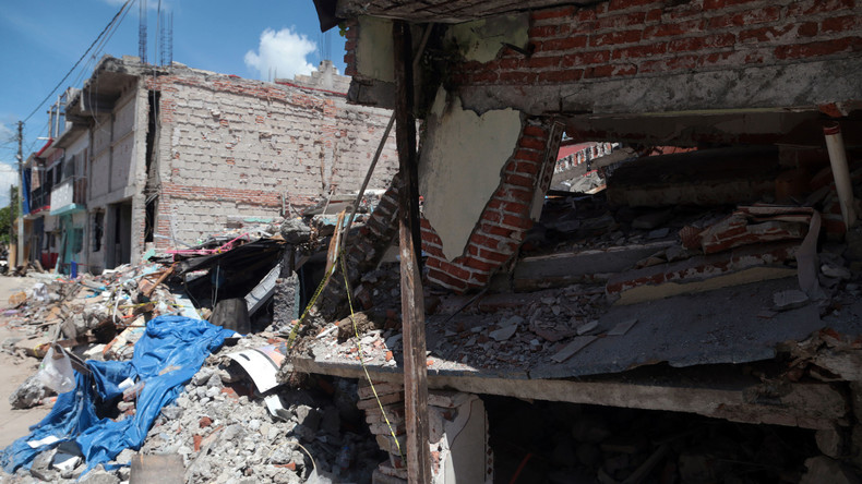 Russischer Flieger liefert Hilfsgüter für Erdbebenopfer in Mexiko trotz starken Unwetters in Karibik