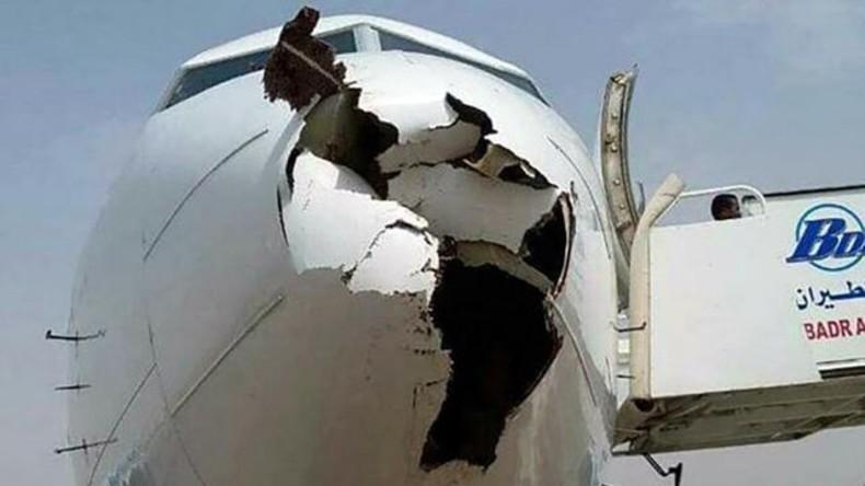 Nach Zusammenstoß mit Vögeln: Flugzeug landet nur dank Kunstfertigkeit der Piloten
