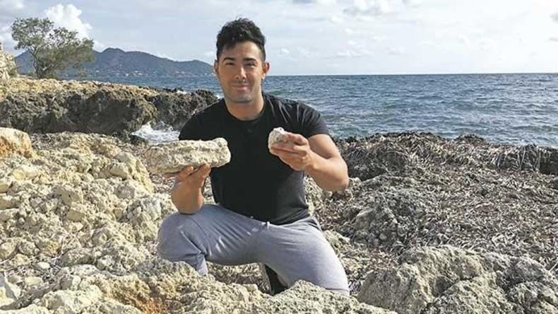 Stinkender, jedoch wertvoller Schatzfund an Strand auf Mallorca