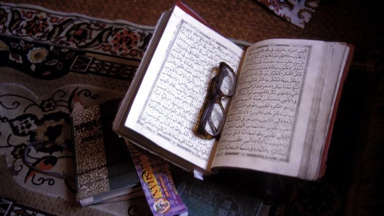 """6,5 Jahre Haftstrafe für britischen Imam, der Kindern sagte: """"Märtyrertod ist wichtiger als Schule"""""""