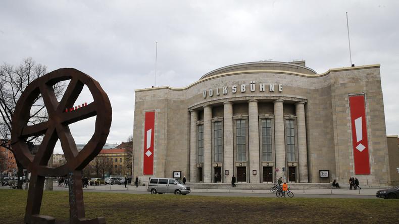In Rom preiswürdig, in Berlin nicht: Volksbühnen-Intendant Chris Dercon und Theaterbesetzungen