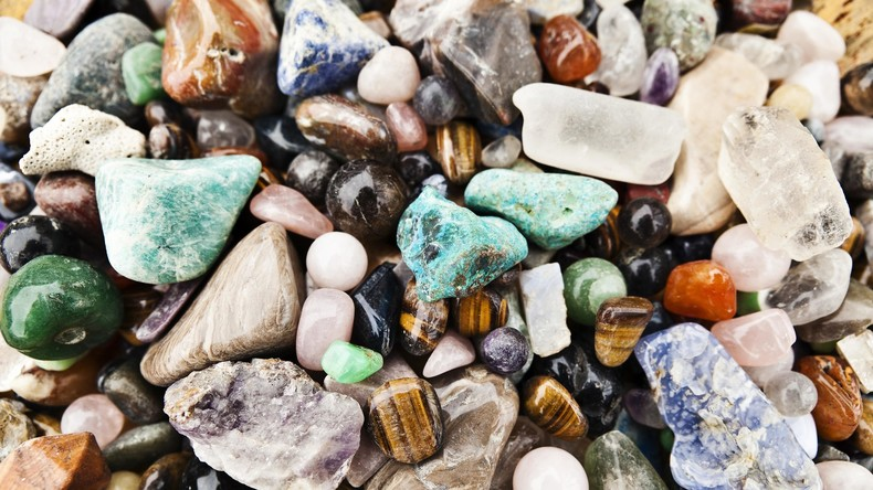 Statt Fische Edelsteine geangelt: Deutscher erhält Juwelen-Sammlung seines Großvaters zurück