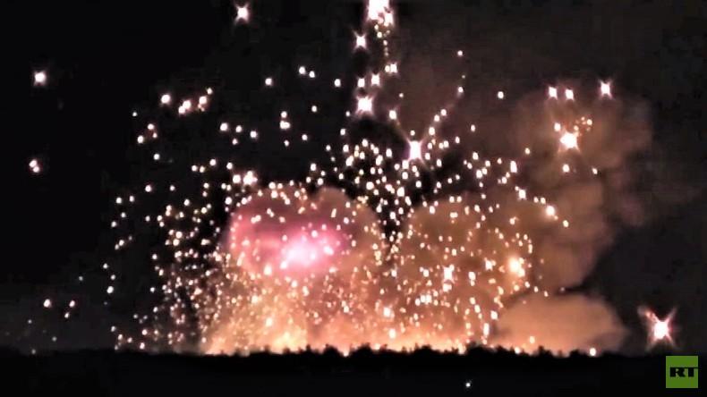 Drohne oder Alkohol? Warum in der Ukraine Munitionslager brennen und was ARD und ZDF dazu sagen