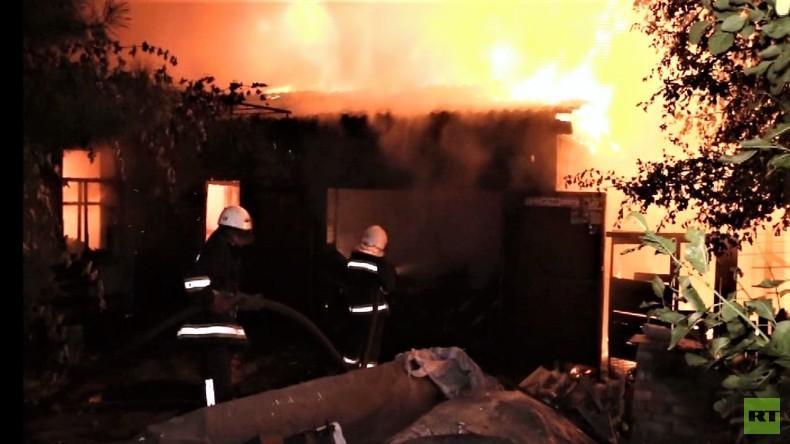 Feuerwerk aus Geschossen: Das größte Munitionslager der Ukraine in Brand