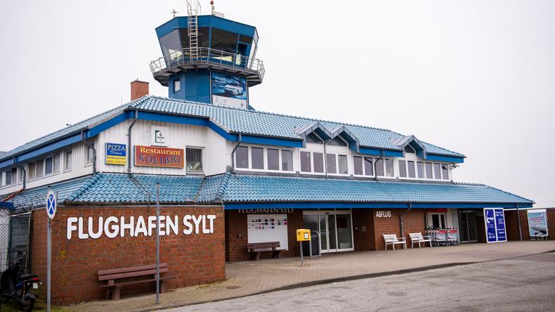Maschine von Air Berlin schießt über Landebahn auf Sylt hinaus