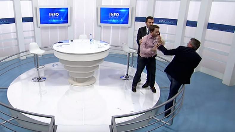 Kosovo-Abgeordnete prügeln sich vor TV-Kameras [VIDEO]