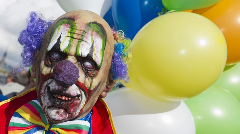Vergeltung für Clownin: US-Polizei verhaftet Verdächtige 27 Jahre nach Mord