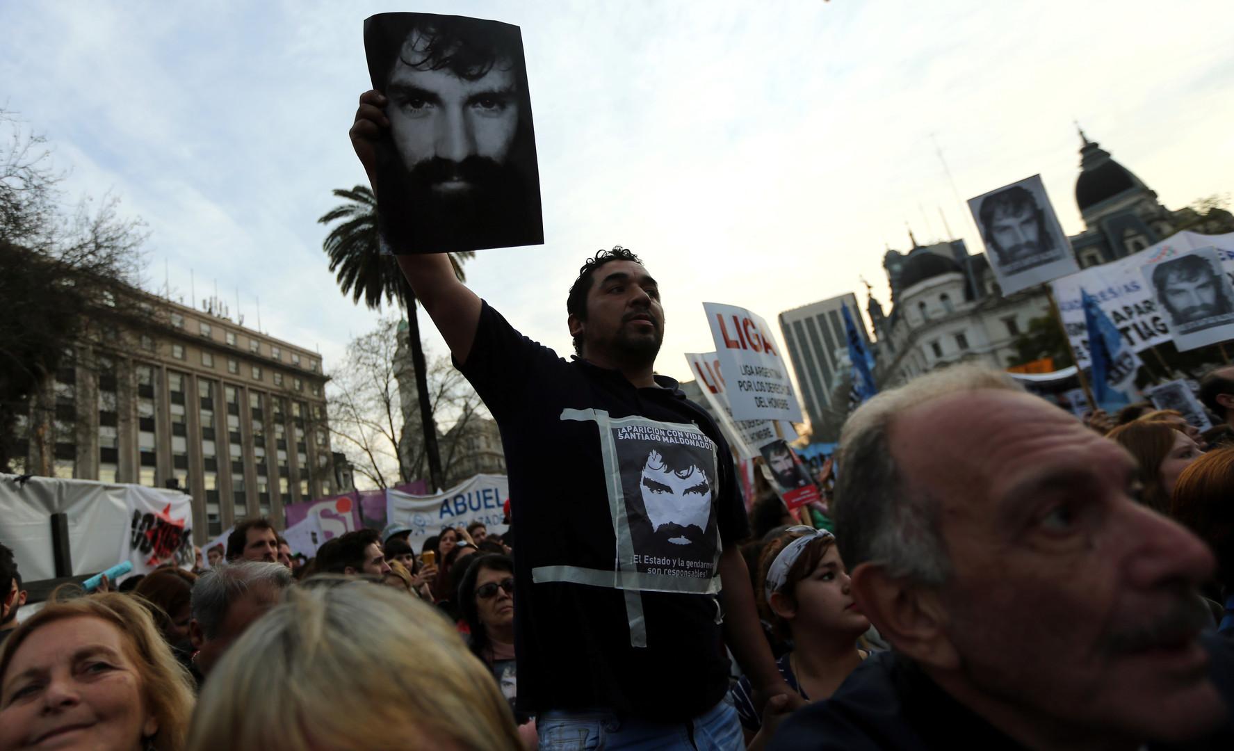 Argentinien: Wo ist Santiago Maldonado? - Regierung soll für Verschwindenlassen verantwortlich sein
