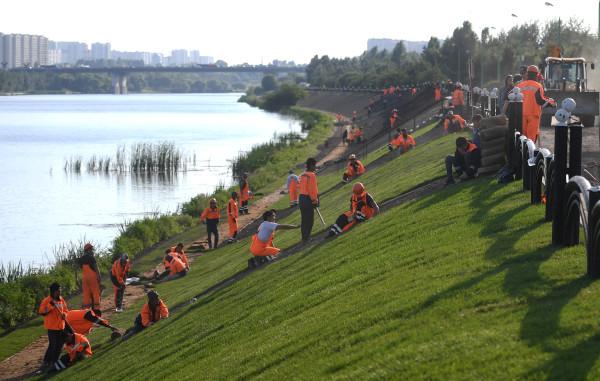 Die Flussufer der Moskwa müssen natürlich auch hergerichtet werden.