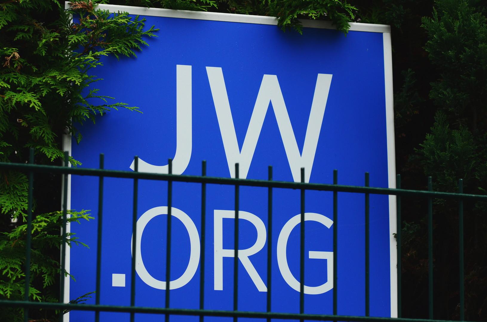 RT Spezial: Seltener Einblick in die Welt der Zeugen Jehovas - Freiheit, Missbrauch und Verbote