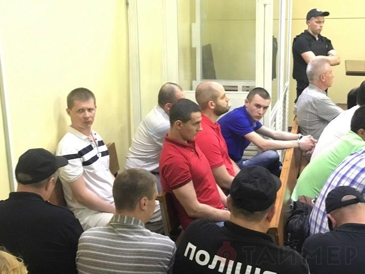 Freispruch für 19 Anti-Maidan-Aktivisten in Odessa: Ukrainische Nationalisten belagern Stadtrat