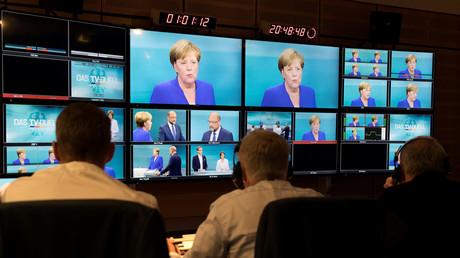 Angela Merkel auf allen Bildschirmen: Das TV-Duell zwischen Martin Schulz und der Kanzlerin in Berlin, Adlershof, 3. September 2017.