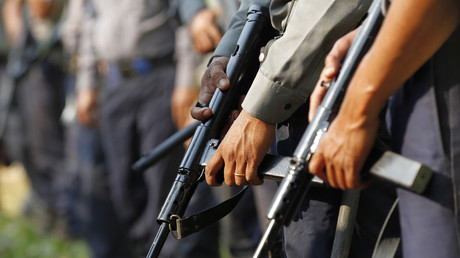 Polizisten in Letpadan, Myanmar, 11. März 2015.