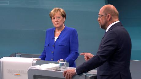 Bundeskanzlerin Angela Merkel und der SPD-Herausforderer Martin Schulz während des TV-Duells