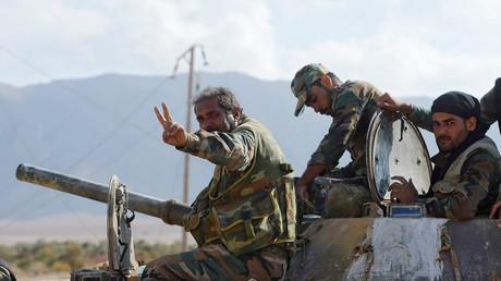 Syrische Soldaten nach der Entscheidungsschlacht um Deir ez-Zor
