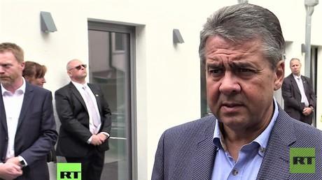 Sigmar Gabriel in Jena am 8. September im Gespräch mit RT Deutsch
