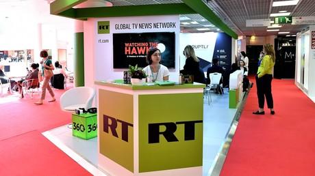 RT-Stand auf der Fernsehmesse Mip TV in Cannes, April 2017.