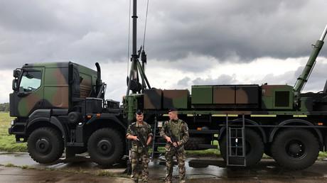 Schwedische Soldaten während der Übung