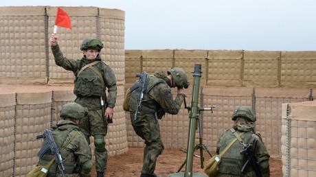 Mörser-Übung im Rahmen des Militärmanövers Zapad
