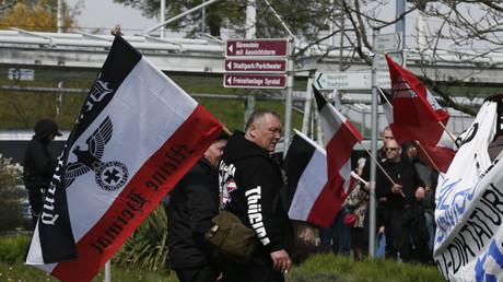 Rechtsradikale Demonstranten in Plauen, Deutschland, 1. Mai 2016.