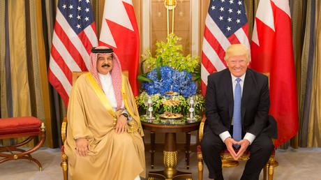 US-Präsident Donald Trump folgt seinen Amtsvorgängern, wenn es darum geht, mit Diktatoren wie Bahrains König Hamad bin Isa Al Chalifa anzubandeln.