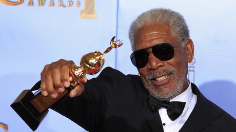 """Der """"Russland-Experte"""" Morgan Freeman freut sich über den ihm verliehenen Cecil B. DeMille-Preis (Januar 2012)"""