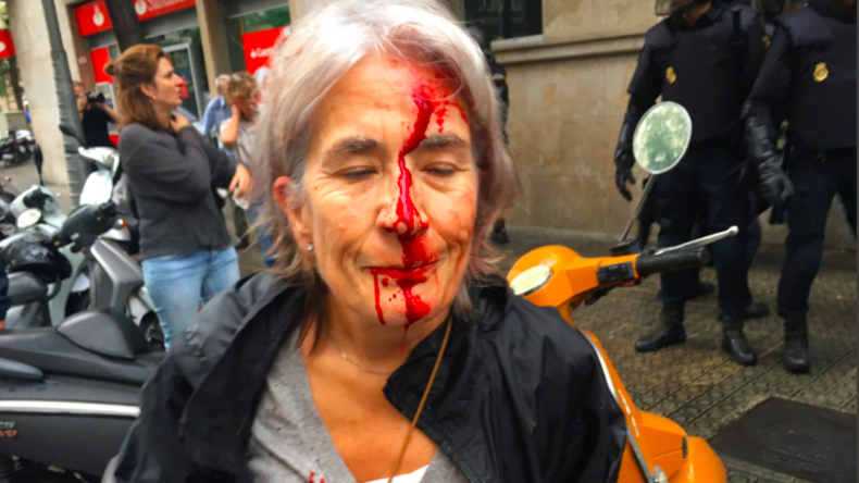 Katalonien: Polizei geht gewaltsam gegen Wähler vor