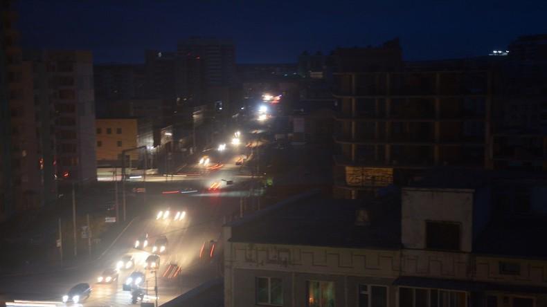 Explosion in Kraftwerk lässt 33.000 Wohnhäuser in Jakutien ohne Strom [VIDEO]