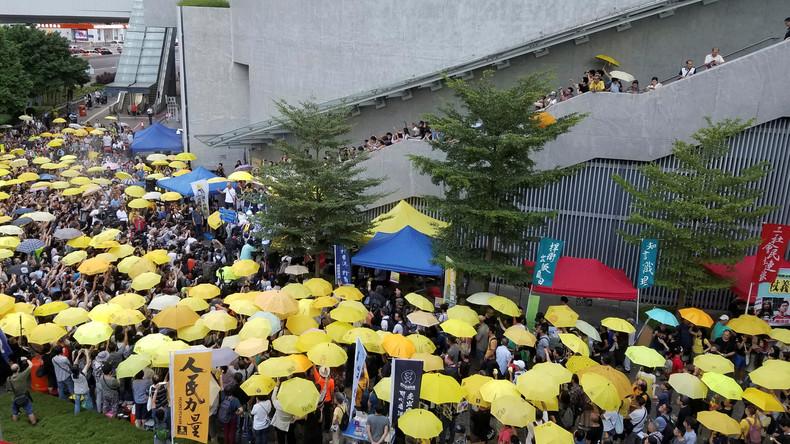 Tausende Hongkonger demonstrieren am Nationalfeiertag gegen Peking